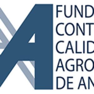 Acto de entrega de la acreditación de la entidad nacional de acreditación (ENAC) a la FCCAA